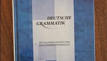 Deutsche Grammatik Helbig/Buscha - Knjiga Njemačke gramatike za studije