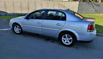 Opel Vectra 2.2.DTI..Dvozonska klima..2004g..Nije uvoz..Reg 04/2022