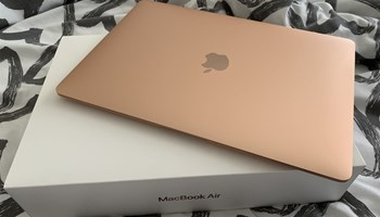 MacBook Air potpuno nov