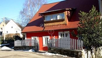 Kuća u nizu na prekrasnoj lokaciji, 100 m od Bajerskog  Jeze