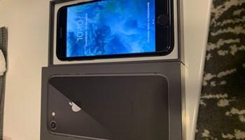iPhone 8  odličan  , prvi vlasnik