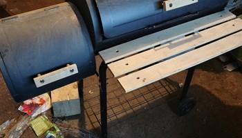 Roštilj smoker grill
