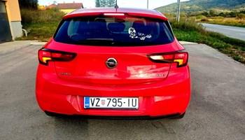 Opel Astra 1.6 CDTI ENJOY--REGISTRIRAN--REDOVITO SERVISIRAN--LED SVJETLA--121000KM--70kW
