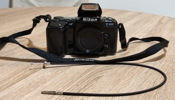 NIKON F 601 analogni fotoaparat