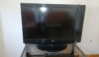 Prodajem tv LG