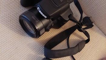 Fotoaparat digitalni canon