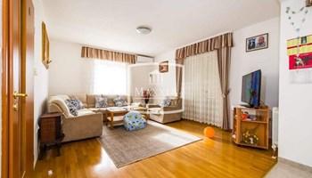 Zadar - Mocire vrhunska gradska kuća 269m2 pogled more 380000€