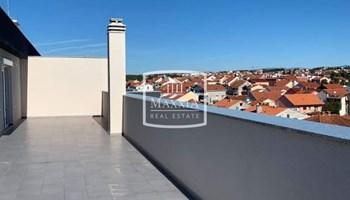 Zadar - vrhunski stan 97m2 s krovnom terasom NOVOGRADNJA! 204000€