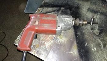 Električna bušilica ISKRA 850w
