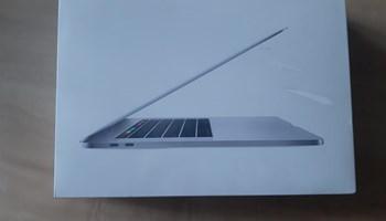 MacBook Pro 15-inch, Neraspakiran 40 % jeftinije od nabavne cijene