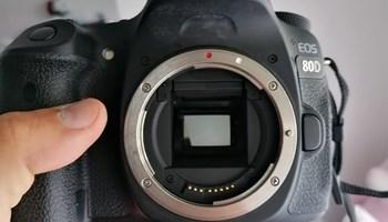 Fotoaparat Canon EOS 80D + 3 objektiva + torba + stativ