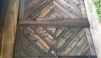 stara hrastova vrata