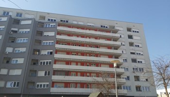 JARUŠČICA-garažno mjesto, etaža -1, vl. 1/1 bez tereta.