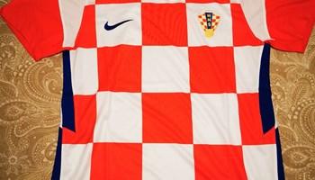 Dres hrvatske nogometne reprezentacije (novi, nenošeni, original)