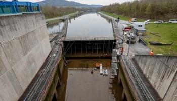 Radnici za ciscenje brane u Njemackoj trazimo