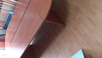 Konferencijski stol