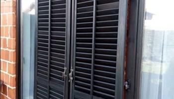Drveni prozori sa žaluzinama iso staklo