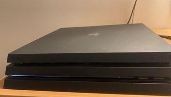 PS4 PRO 1TB + HEADSET + ACCOUNT S IGRICAMA