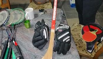 Stap, hokej rukavice i pancerice (Sve za hokej)