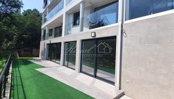 Bivio, luksuzni stan u novogradnji sa okućnicom, 243.000 EUR