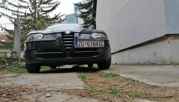 Alfa Romeo 147 Jtd 1.9 moze na rate ili pod racun