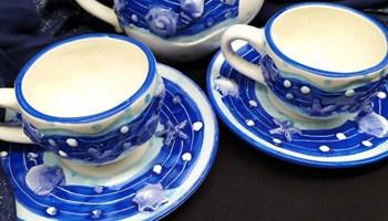 Set čajnik i dvije šalice s tanjurićima - Morski motiv