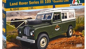Maketa vozilo automobil Land Rover 109 Guardia Civil 1:35 1/35