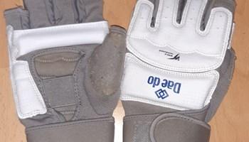 DAEDO taekwondo WT elektronski štitnici Gen2 za ruke imaju senzore