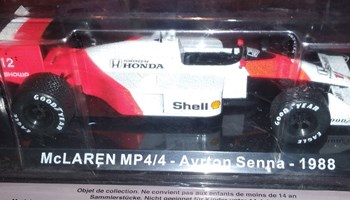 Diecast model 1/24 McLaren MP4/4 Ayrton Senna