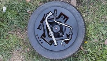 Rezervni kotač sa dizalicom za Fiat Punto 2 - 13, 4x98
