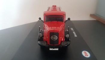 Metalni kamion Mercedes