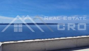 Nekretnine Ciovo - Luksuzni stan u izgradnji s krovnom terasom i prekrasnim pogledom na more, na prodaju