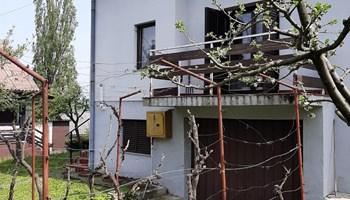 Kuća Donja Stubica - papiri 1/1 - plinsko grijanje - kanalizacija