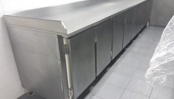Prodajem nov frižider + - sav od inoksa