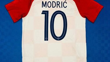 Original dresovi Modrić i Messi