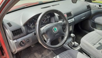 Škoda Octavia Combi 1.6,75kw+(benzin/plin)=2900€