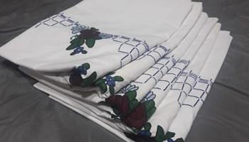Ručno vezene jastućnice