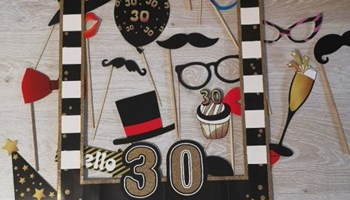 Insta okvir i rekviziti za 30. rođendan