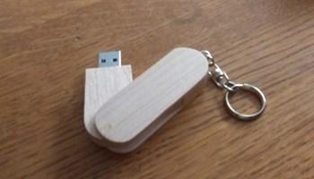 USB od 7,48 giga