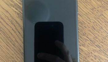 Prodajem iPhone XR 128 gb