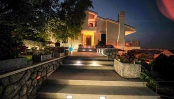 Opatija - Ičići, samostojeća villa ukupne površine 450 m2