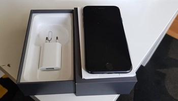 Prodaje se iphone 8