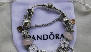 Pandora narukvica, bijelo/roza nova!