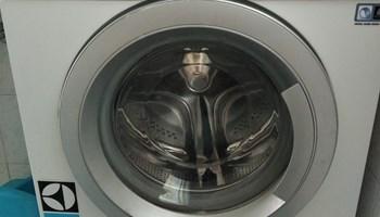 Perilica rublja Electrolux EWS 31276SU za popravak ili dijelove