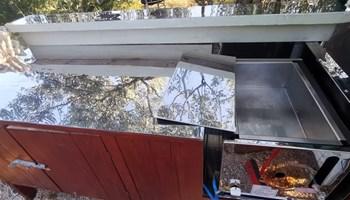Plinska friteza 8 litara + radni stol (prokrom)