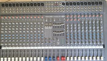 Set mikseta, mikser, mikrofon i aktivne kutije