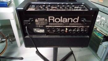 Gitarsko pojacalo Roland AC60/tel0914801253