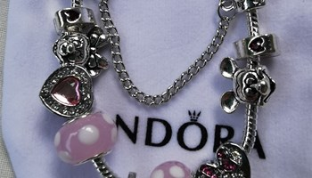 Pandora narukvica, Disney, roza, nova!