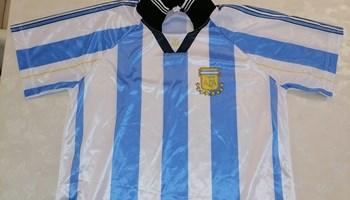 """Sportski dres \""""Nogometne reprezentacije Argentine\"""" iz 1998. godine"""