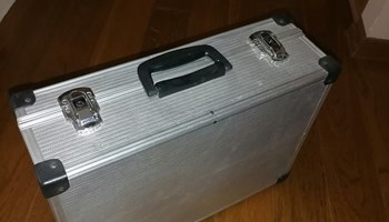 Kofer (aluminijski); aluminijski kofer, medicinski kofer, 46 x 33 x 15 cm